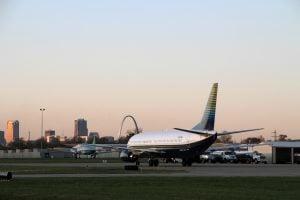 New Runway First 737 Flight (14)