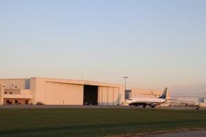 New Runway First 737 Flight (6)