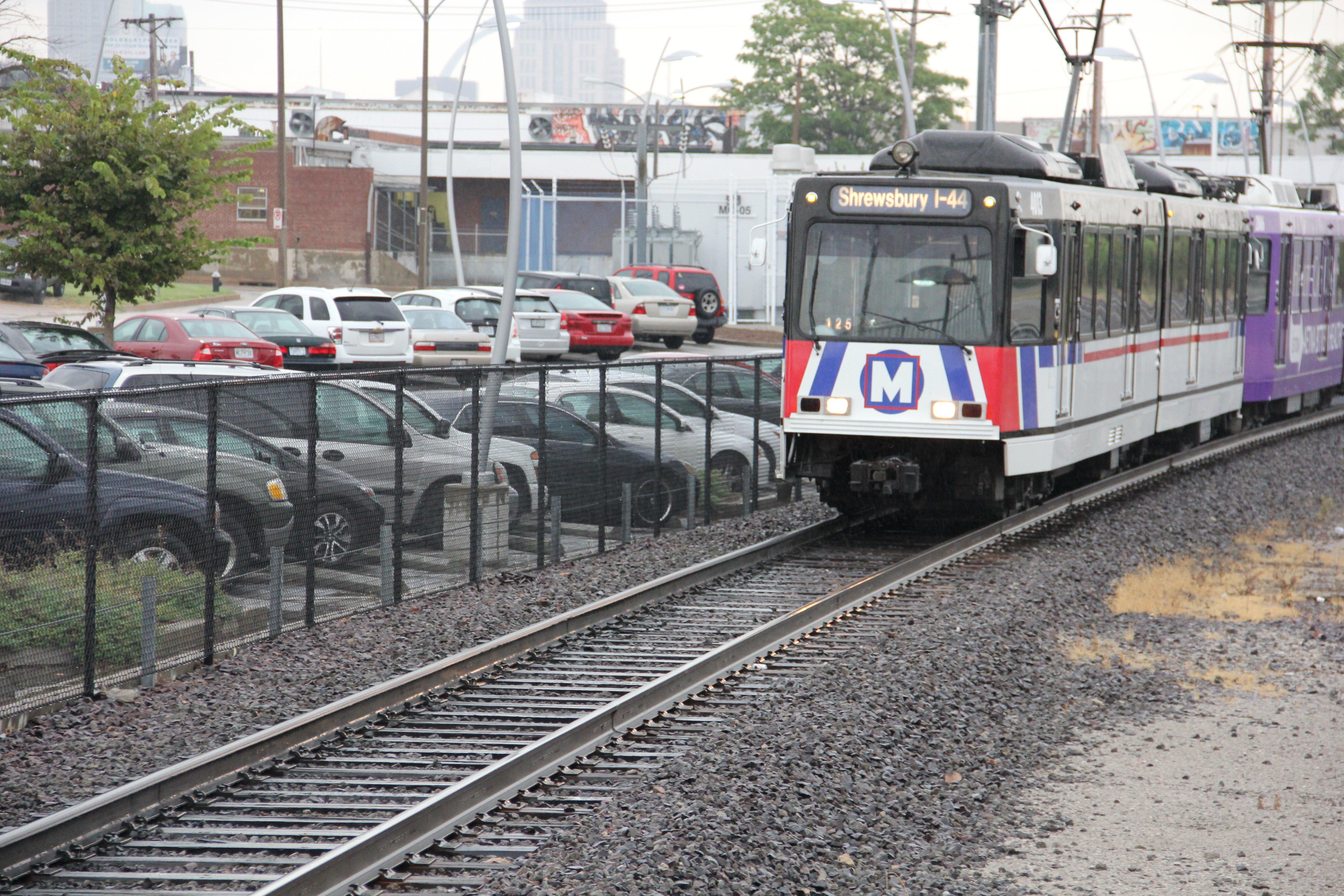 Replacing Wooden Rail Ties On The Metrolink System Metrostlouis