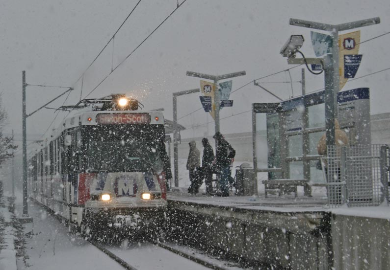 MetroLink In Snow (1)