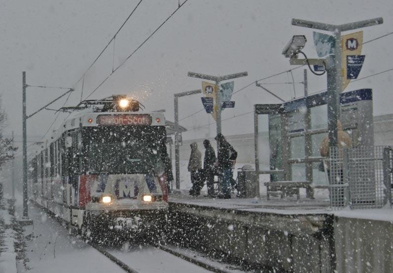 MetroLink In Snow (1)