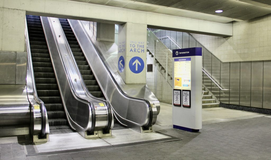 Photo of the 8th and Pine escalator